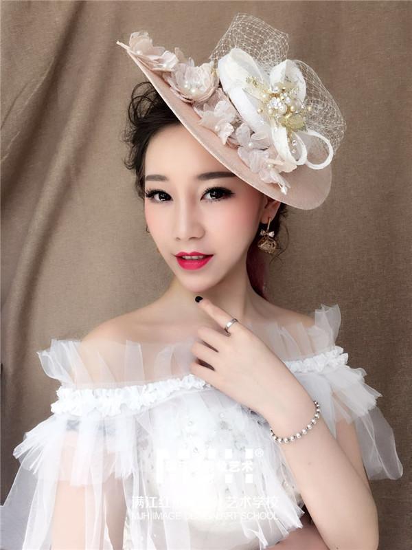 【彭珍老师化妆课堂】欧式复古新娘造型